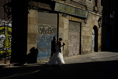 At last (Sergi_Escribano) Tags: sergiescribanopothography sergiescribano barcelona barcelonastreetphotography streetsofbarcelona spainstreetphotography city light thegothicquarter shadows wedding streetphotography streetphoto marriage sunlight sunset love couple yes gothicquarter oldtown shadow old
