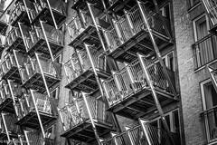 DSC03292 (KNPhotoLondon) Tags: docklands canarywharf london uk unitedkingdom britain greatbritain sony a6000 e18105g blackandwhite bw mono monochrome building architecture structure pattern urban city dwelling