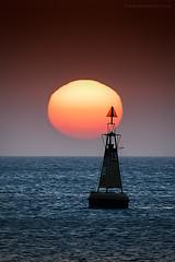 Ocaso en Sanlúcar. (Javier Martinez de la Ossa) Tags: andalucía atlántico bahiadecádiz cádiz españa javiermartinezdelaossa ocaso océano puestadesol sanlúcardebarrameda