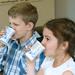 Vácrátóti általános iskolások iskolatejet fogyasztanak