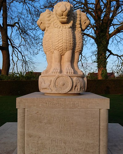 The Indian Memorial looking very nice in the evening sun.