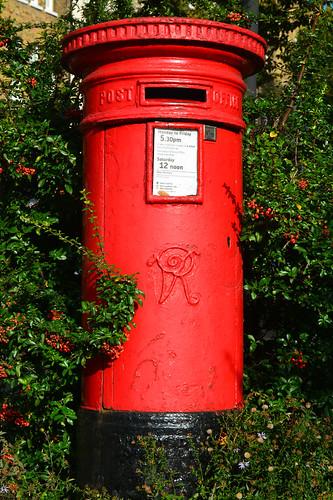 uk red england london mailbox nikon unitedkingdom britain victorian castiron postbox royalmail streetfurniture pillarbox redberries streetarchitecture atype ahandysideco nw347 imagesgeorgerex photobygeorgerex