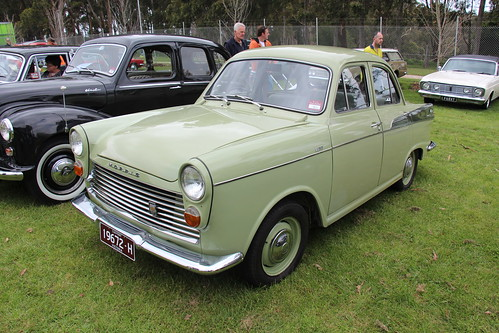 1963 Morris Major Elite Saloon