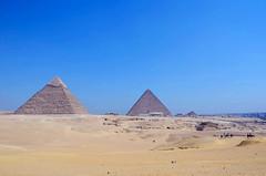 -  (Pirmides de Giz, Giz - Cairo) (giancornachini) Tags: africa desert pyramid egypt middleeast pharaoh giza egito deserto piramide   fara   orientemdio  giz