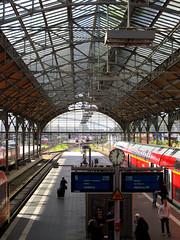 Lbeck Hauptbahnhof (philipp h.) Tags: wood roof red sun rot glass station train track main hamburg platform zug hauptbahnhof lbeck holz sonne dach glas bahnsteig lneburg gleis doppelstock