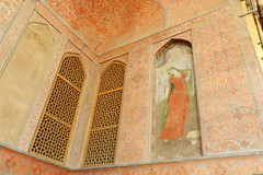 Pinturas murales en el Palacio Ali Qapu Isfahan Irn 02 (Rafael Gomez - http://micamara.es) Tags: en mural iran paintings persia el palace ali  murales   paredes isfahan pinturas palacio irn frescos   qapu     isfahn qapur
