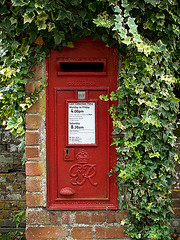 Vintage King George V (GR) Postbox (fstop186) Tags: wall iron village post box