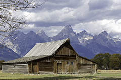14. Mormon Row in Grand Teton (surfneng) Tags: trees sky mountains fall clouds barn wyoming grandtetonnationalpark mormonrow