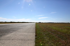 IMG_2047 (yiching.lin) Tags: newyorkcity water brooklyn plane vintage airport war military airplanes hangar navy ohny openhousenewyork floydbennettfield jamaicabay floydbennett ryanvisitorcenter 2014openhousenewyork