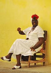 Mi Amol (keltikee) Tags: life woman white blanco yellow jaune mujer chair femme traditional cuba cigar amarillo silla vida blanc chaise puro vie cubana tradicional