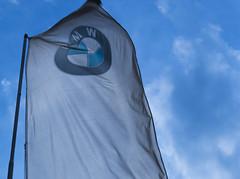 Flag (Rodrock86) Tags: blue car shop nikon wind flag kitlens bmw dealer nikond3200 ishootraw rodfotografia