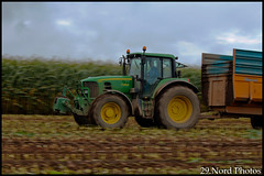 Ensilage de mas - Finistre (29.Nord Photos) Tags: tractor field canon john eos corn brittany traktor harvest bretagne breizh turbo jaguar trailer 29 agriculture 13 silage campagne maize rolland deere harvester champ tracteur breton forage finistre fil deutz claas agri mas agricole 6930 brigant 600d bretonne 6180 ttv ensilage agriculteur maisernte agrotron ensileuse br160
