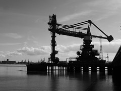 Thames Estuary, Grays (duncan) Tags: thames thamesestuary grays blackandwhite