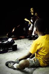THE Listener (marilenaxiari) Tags: barcelona music yellow shirt spain play tshirt best espana cello attention listener listen playingmusic μουσικη βαρκελωνη ισπανια κιτρινο φανελα ακροατησ μπλουζακι