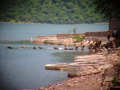 Laguna de Xiloá (chicitoloco) Tags: lake de soldier guerra militar campo laguna crate jogos soldat recursos militares ejercicios exercícios exercício xiloa combatante chicitoloco xiloá jiloa feldübungen militarios jiloá