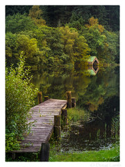 Loch Ard Jetty (don't count the pixels) Tags: scotland trossachs trossachsnationalpark lochard loch scottishlochs water lake jetty boathouse autumn autumncolours trees