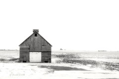 Oldie (Justin Loyd Photography) Tags: farm snow winter photography flickr canon6d 24105l farmstead rural iowa country ngc nature landscape building photo old aged mono bnw blackwhite blackandwhite bw monochrome