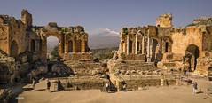 Teatro Greco (hph46) Tags: italien sizilien taormina teatrogreco theater ätna vulkan italia sony alpha7r ruine