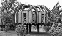 Kew (fluffydragon) Tags: kew structure moomins