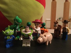 Strange Things Are Happening To Me (splinky9000) Tags: disney pixar toy story lego toys minfigures kingstory kingston sheriff woody army jeep sarge green soldiers rex bullseye horse jessie cowgirl hamm buzz lightyear little aliens chunk