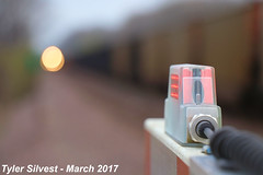 Crossing arm protecting the crossing 3-31-17 (KansasScanner) Tags: up unionpacific railroad train bonnersprings kansas