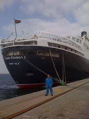 QE2 in Dubai (Louis De Sousa) Tags: qe2 dubai dry docks port vila rashid legend cunard dock nakheel dp world queenelizabeth2 portrashid dpworld