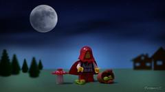 LEGO MINIFIGURES : Moonlit night... (2/12) (COLLECTOR FIGURES) Tags: red moon halloween werewolf night lune rouge transformation lego little full special moonlit riding le horror hood metamorphosis petit horreur pleine chaperon minifigures loupgarou