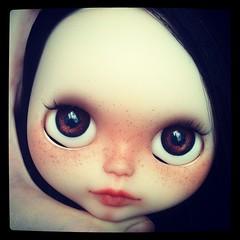 Hello Maggie ❤ #blythe #custom #takara #nostagicpop #translucentskin #bigeyes #freckles #socalledblythe