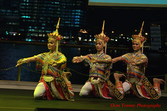 this is how we start together (tomzcafe) Tags: nikon singapore esplanade dancefestival d90 norathammanitthaksinuniversity zoomnikon351353545
