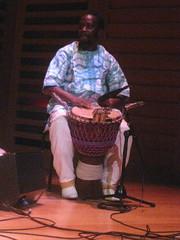 Ami Koita (2014) 09 - djembe player (KM's Live Music shots) Tags: drums guinea djembe worldmusic mandinka kingsplace lifem londoninternationalfestivalofexploratorymusic mosiconde traditionalmandinkamusic amikoita
