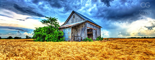 "Chase that storm - Ooh look! A Barn! • <a style=""font-size:0.8em;"" href=""http://www.flickr.com/photos/116429761@N02/15359875949/"" target=""_blank"">View on Flickr</a>"