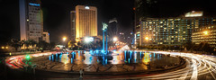 Selamat Datang Monument - Hotel Indonesia Roundabout (F1etch) Tags: urban monument night zeiss indonesia landscape hotel long exposure sony roundabout jakarta carl selamat datang 1635mm a99 centraljakarta