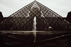 Louvre Pyramid (~ MXXM) Tags: france tower glass smile de champselysees europa europe place pyramid louvre monalisa champs arc triomphe lisa charles mona tags eiffel gaulle elysees élysées champsélysées mxxm