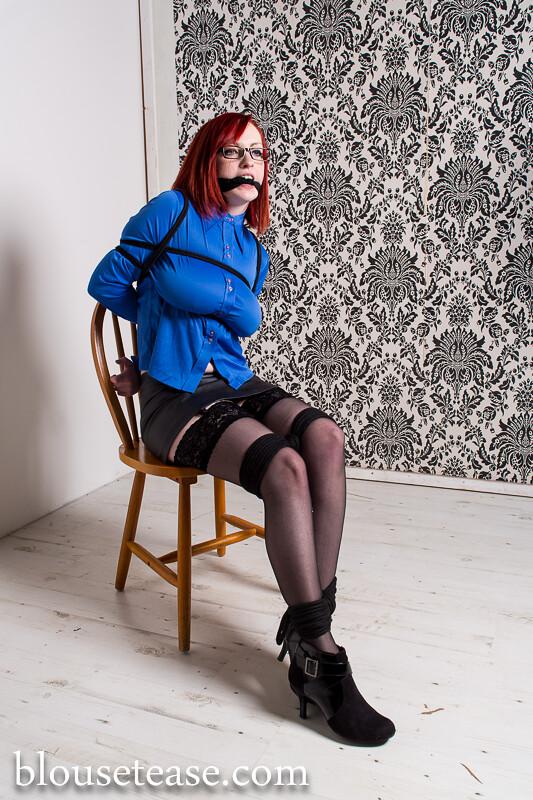Geeky secretary has a hot body under her dress 3