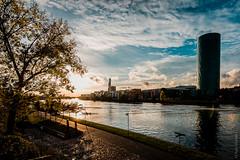 Main Frankfurt (Ivan Slunjski) Tags: sun river de warm frankfurt main turm sonne frankfurtammain gerippte ppelwoiturm