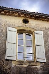 1407 SudOuest (198)Ms (francperet) Tags: summer france brick window wall nikon blind burgundy cine nikkor v1 franc angenieux peret nikon1 cmount nikon1v1 francperet