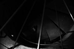 Profundo (renanluna) Tags: light blackandwhite luz brasil stair fuji shadows br darkness sopaulo sp finepix contraste fujifilm escada profunda 55 pretoebranco sombras monocromia 011 deeper contrat escurido 23mm hospitalmatarazzo renanlu