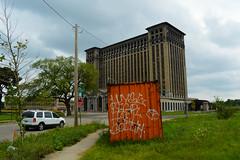 (gordon gekkoh) Tags: graffiti detroit otr d30 btm wyse begr hael wge soduh
