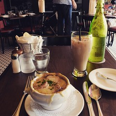 French Onion soup in the French restaurant Brasserie Gigi in downtown Charleston. Chef Andrew Dietrich is a fellow Haddon Twp grad and is hooking me up. Today is going to be a good day of eats, this now, Husk later. #TheWorldWalk #Charleston #sc #food #tw