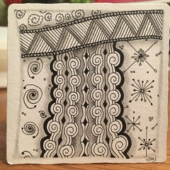 DC306. Lots of new-to-me tangles in this one, which felt extremely playful!  Diva challenge tangle of #amphora #shattuck, #ahh, #dtnebula, and #dustbunny, which made me actually giggle whilst drawing and just a hint of tipple. #zentangles #dc306 (skirler@att.net) Tags: amphora shattuck ahh dtnebula dustbunny zentangles dc306