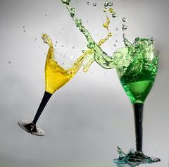 Cheers! (Wim van Bezouw) Tags: sony ilce7m2 strobist glass wine glasses pluto highspeed plutotrigger water splash watersplash drop drops