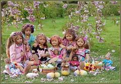Kindergartenkinder ... rosige Ostern ... (Kindergartenkinder) Tags: baum park sanrike annette himstedt dolls grugapark essen gruga frühling bellis kindergartenkinder tivi annemoni jinka milina ostern blüte