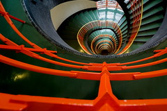 Orange stairs (Maerten Prins) Tags: germany duitsland deutschland hamburg stair stairs stairwell orange railing metal green window reflection downshot sprinkenhof