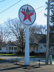 Vintage Texaco in Dwight (3 of 4) (jimsawthat) Tags: serivcestation gasstation vintagegasstation vintageservicestation texaco smalltown dwight illinois bypassed route66 vintagesigns
