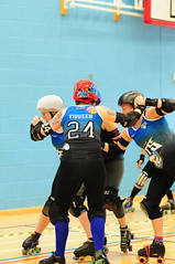 Where's the jammer (sk8geek) Tags: wall blockers viqueen 24 sherecarnage 209 tiggrrr 655 rollerderby skaters