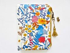 Sunflower print wipeclean wallet. (Jigglemawiggle) Tags: sunflowers helianthus flowers wipeclean waterproofwallet flowerzipper floralbag etsy folksy jigglemawiggle scotland handmade