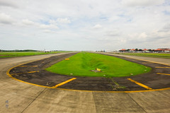 Runway turns (A. Wee) Tags: jakarta indonesia 雅加达 cgk airport 机场 印尼 runway