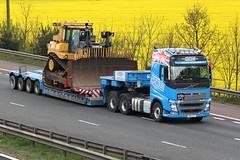 Ashcourt HH 12th April 2017 (asdofdsa) Tags: hgv haulage motorway m62 goole rawcliffebridge heavyhaulage bulldozer ashcourt yorkshire southyorkshire oilseedrape volvo