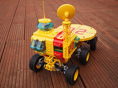 Leviathan 20 (David Roberts 01341) Tags: 6x6 mobile lego space platform technic scifi minifig remotecontrol flightdeck powerfunctions