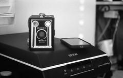 Old & New (Enano Siniestro) Tags: brownie target six20 epson perfection v600 ricoh kr30sp arista ultra edu 400 35mm film